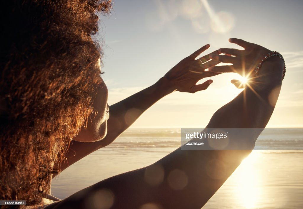 The ocean breeze brings a life of ease : Stock Photo
