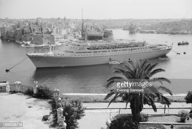 The ocean liner 'MS Sagafjord' of the Norwegian America Line in the Grand Harbour of Valletta in Malta, UK, September 1966.