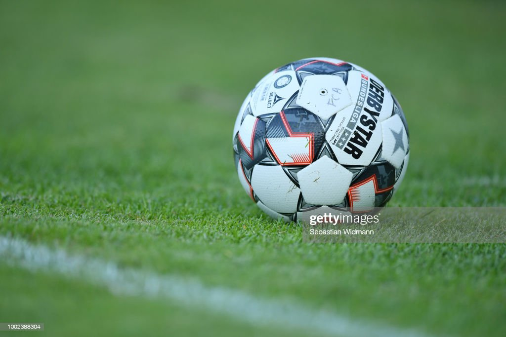 SC Olching v FC Augsburg - Pre Season Friendly Match : Nachrichtenfoto