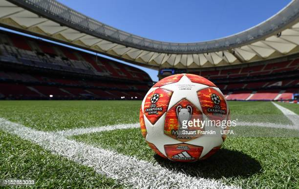 The official match ball is pictured on te pitch prior to the UEFA Champions League Final match between Tottenham Hotspur and Liverpool FC at Estadio...