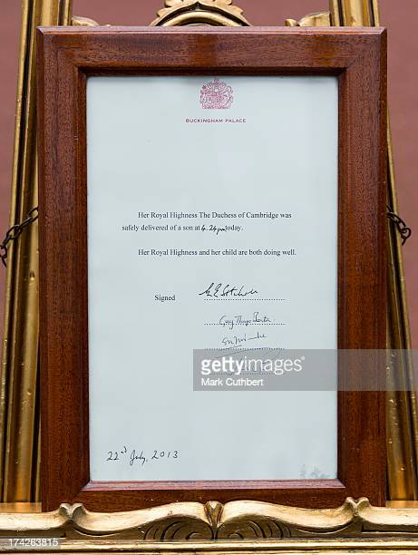 The official notice outside Buckingham Palace announcing the birth on July 22 of The Duke and Duchess of Cambridge's first child at The Lindo Wing in...