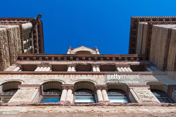 The Old City Hall building has a Richardsonian Romanesque architecture It is one of the most important heritage buildings in Canada