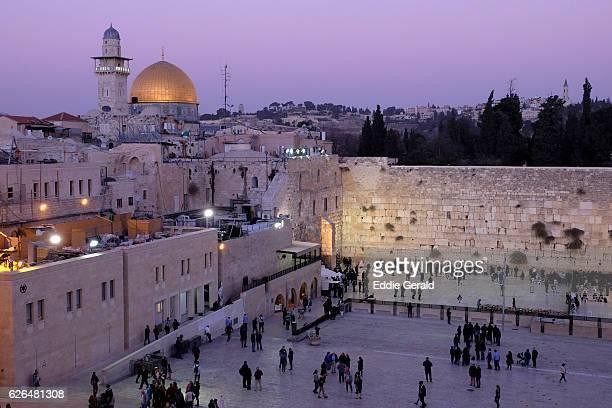 the old city of jerusalem - muro de las lamentaciones fotografías e imágenes de stock