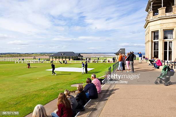 the old course at st andrews - st. andrews scotland stock pictures, royalty-free photos & images