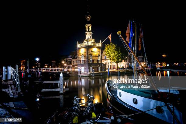 the old harbor with the beer quay (bierkade) and its illuminate - gulf coast states stockfoto's en -beelden