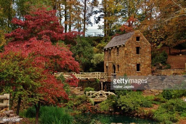 the old mill - arkansas fotografías e imágenes de stock
