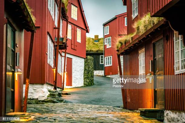 the old parliament building of faroe islands in torshavn - islas faroe fotografías e imágenes de stock