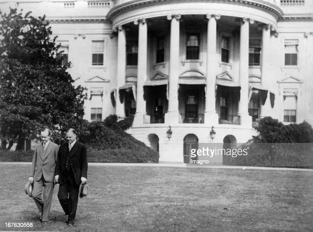 The old President of the United States of America Calvin Coolidge and the new Herbert Hoover. Photograph. 1929. Der alte US-Präsident Calvin Coolidge...