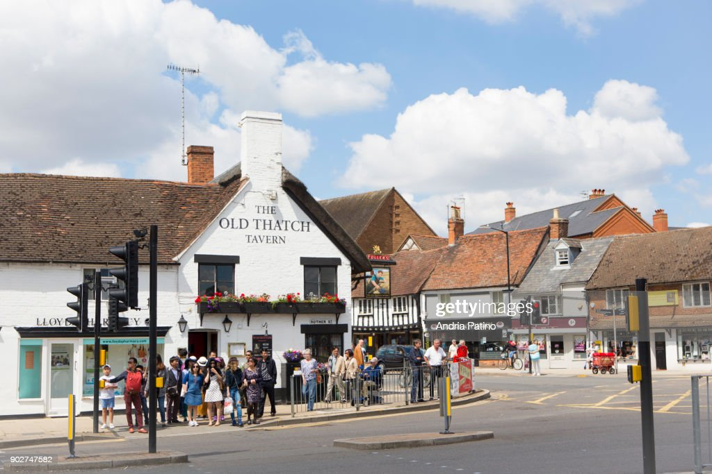 The Old Thatch Tavern : Stock Photo