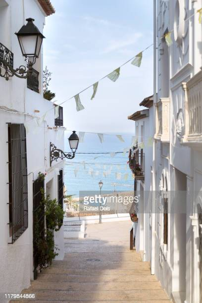 the old town of altea - alicante, spain - cultura mediterránea fotografías e imágenes de stock