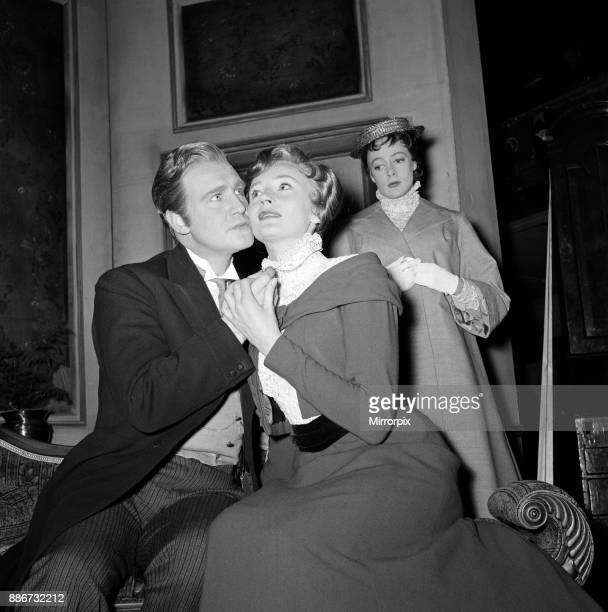 The Old Vic Company play 'What Every Woman Knows'. Maggie Smith as Maggie Wylie, Donald Houston as John Shand, Wendy Williams as Lady Sybil. Maggie...