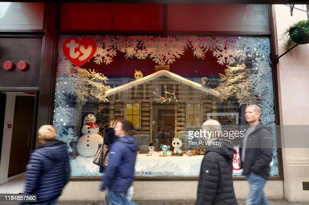 The oldest toy shop in the world Hamleys has kicked off the festive season by unveiling its 2019 Christmas window on November 1st in London England