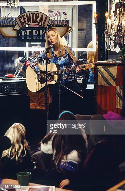 "The One After the Superbowl: Part 1"" Episode 12 -- Air Date -- Pictured: Lisa Kudrow as Phoebe Buffay"