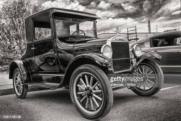 the one and only one ford model t - ford model t stock-fotos und bilder