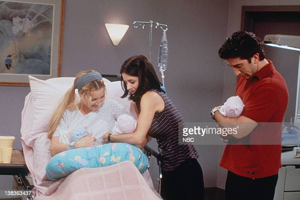 "The One Hundredth"" Episode 3 -- Pictured: Lisa Kudrow as Phoebe Buffay, Courteney Cox as Monica Geller, David Schwimmer as Ross Geller"