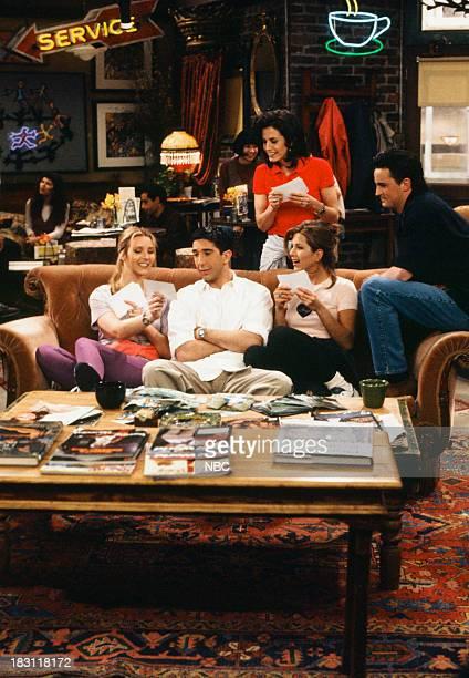 FRIENDS 'The One Where Rachel Finds Out' Episode 124 Pictured Lisa Kudrow as Phoebe Buffay David Schwimmer as Ross Geller Jennifer Aniston as Rachel...