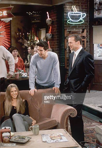 "The One Where Ross Meets Elizabeth's Dad"" Episode 21 -- Pictured: Jennifer Aniston as Rachel Green, David Schwimmer as Ross Geller, Bruce Willis as..."