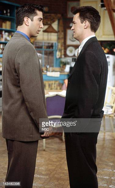 """The One with All the Jealousy"""" Episode 12 -- Pictured: David Schwimmer as Ross Geller, Matthew Perry as Chandler Bing"""