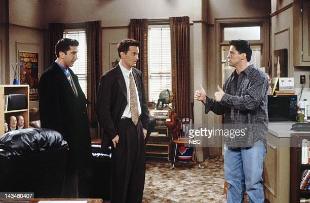 """The One with All the Jealousy"""" Episode 12 -- Pictured: David Schwimmer as Ross Geller, Matthew Perry as Chandler Bing, Matt LeBlanc as Joey Tribbiani"""