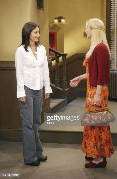 FRIENDS 'The One With Ross' Tan' Episode 3 Aired 10/9/2003 Pictured Courteney Cox as Monica GellerBing Lisa Kudrow as Phoebe Buffay Photo by NBCU...