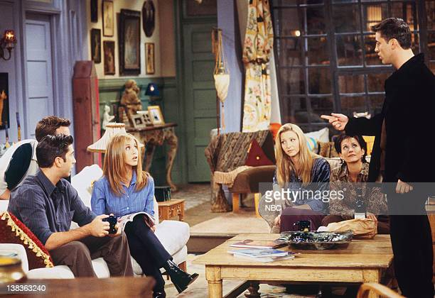 """The One with the Dirty Girl"""" Episode 6-- Pictured: David Schwimmer as Ross Geller, Jennifer Aniston as Rachel Green, Lisa Kudrow as Phoebe Buffay,..."""