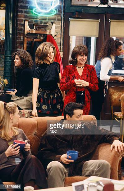 FRIENDS The One with the Lesbian Wedding Episode 11 Air Date Pictured Jennifer Aniston Marlo Thomas as Sandra Green Lisa Kudrow as Phoebe Buffay Matt...