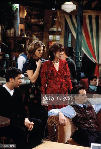 FRIENDS The One with the Lesbian Wedding Episode 11 Pictured David Schwimmer as Ross Geller Jennifer Aniston as Rachel Green Marlo Thomas as Sandra...