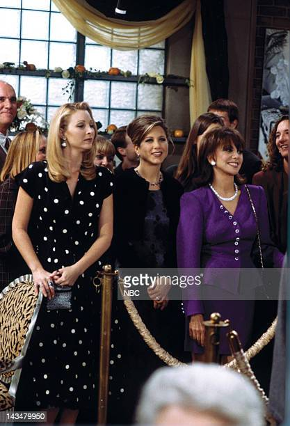 FRIENDS 'The One with the Lesbian Wedding' Episode 11 Pictured Lisa Kudrow as Phoebe Buffay Jennifer Aniston as Rachel Green Marlo Thomas as Sandra...