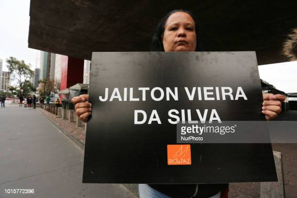 The ONG Rio de Paz and family members are carrying out an act in memory of 3 years of the slaughter of the cities of Osasco and Barueri, during a...