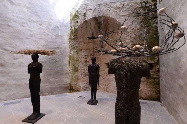 """ITA: """"La Regola di Piero"""" (Piero's rule) By Mimmo Paladino Exhibition Opening"""