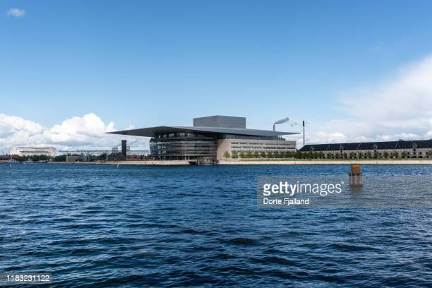 the opera house in copenhagen from the other side of the harbour - dorte fjalland stock pictures, royalty-free photos & images