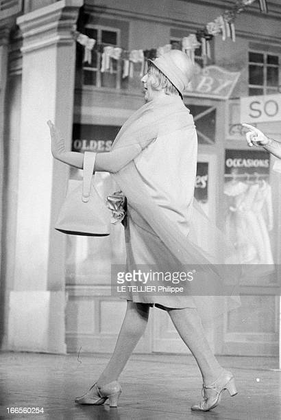 The Operetta 'La Polka Des Lampions' At The Theater Of Chatelet Paris 14 décembre 1961 Sur la scène du Théâtre du Châtelet lors d'une répétition de...