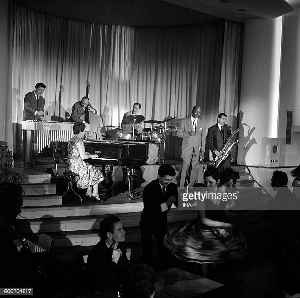 The orchestra Jazz Parades 59 in the studio Hoch with in the piano Yvonne Blanc in the trumpet Bill Coleman William Boucaya in the saxophone and Daly...