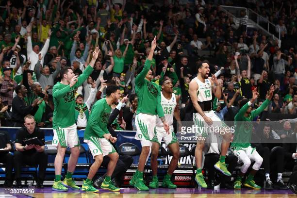 The Oregon Ducks bench reacts late in the second half after a play against the UC Irvine Anteaters during the second round of the 2019 NCAA Men's...