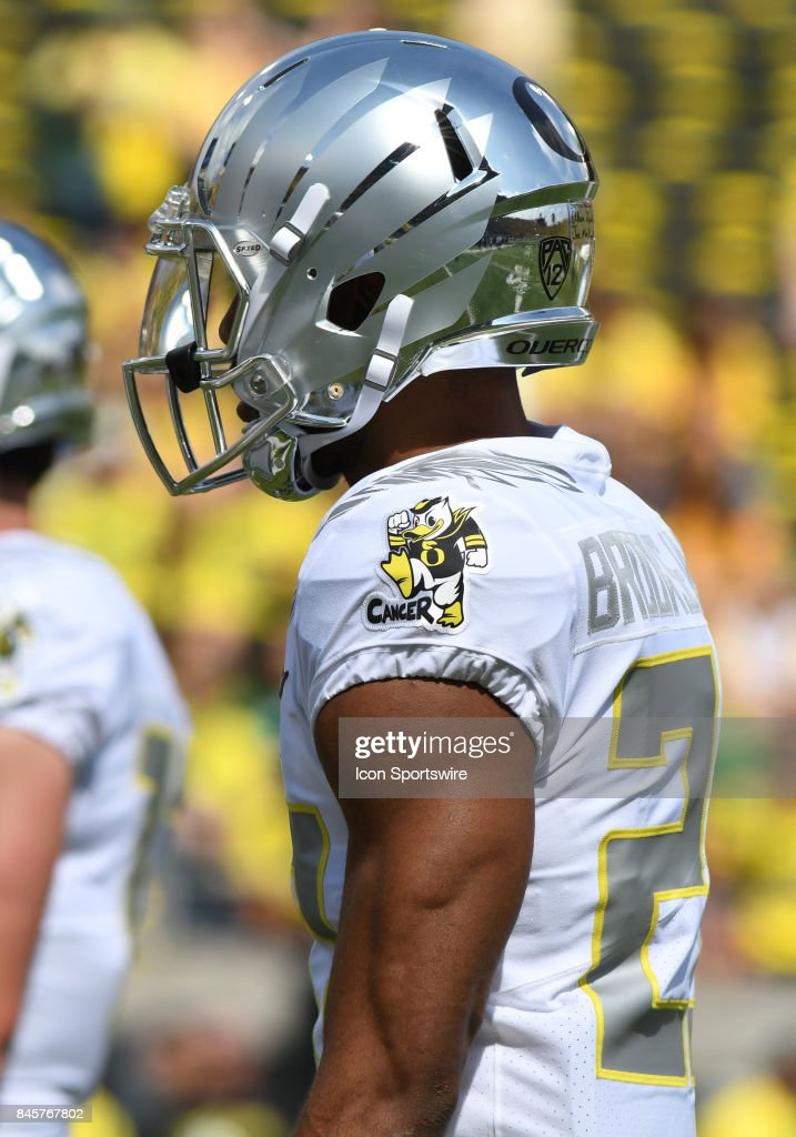 new style 99082 e1b4d The Oregon Ducks Stomp out Cancer logo adorns the jersey of ...