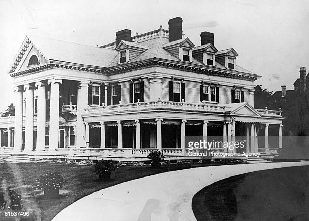 The original Breakers later the Vanderbilt family summer home in Newport Rhode Island circa 1900 Built in the Queen Anne style this mansion was burnt...