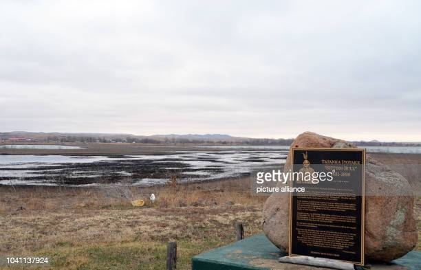 The original grave of Sioux chief Sitting Bull in the Standing Rock Indian reservation in North Dakota USA 8 April 2015 Sitting Bull died in a melee...