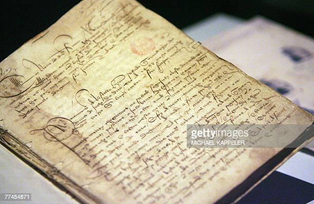 The original handwriting of the diary of Portugese explorer Vasco de Gama written during his trip to India is displayed 23 October 2007 at the German...