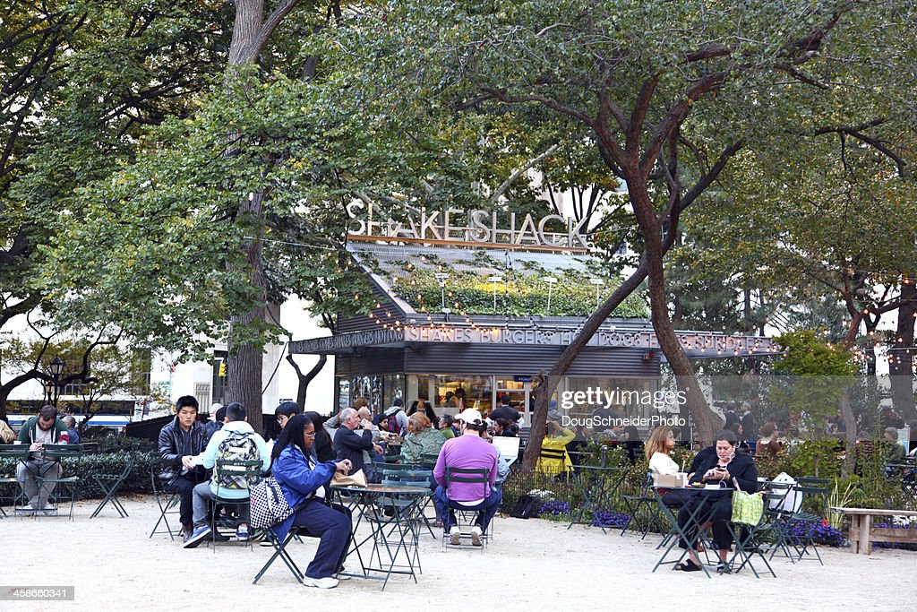 The Original Shake Shack Nyc Stock Photo - Getty Images