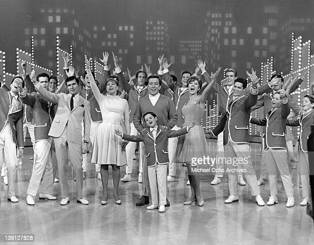 The Osmonds and other guests close out 'The Andy Williams show' circa 1965