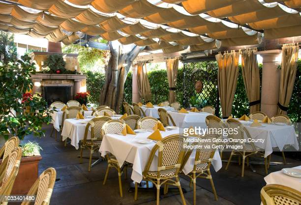 The outdoor patin at Sapori Ristorante and Pizzeria in Newport Beach ///ADDITIONAL INFORMATION Food2015Awards1231 Ð 12/23/15 Ð LEONARD ORTIZ ORANGE...