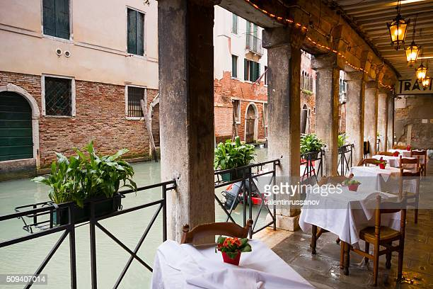 The outside part of a restaurant in Venice