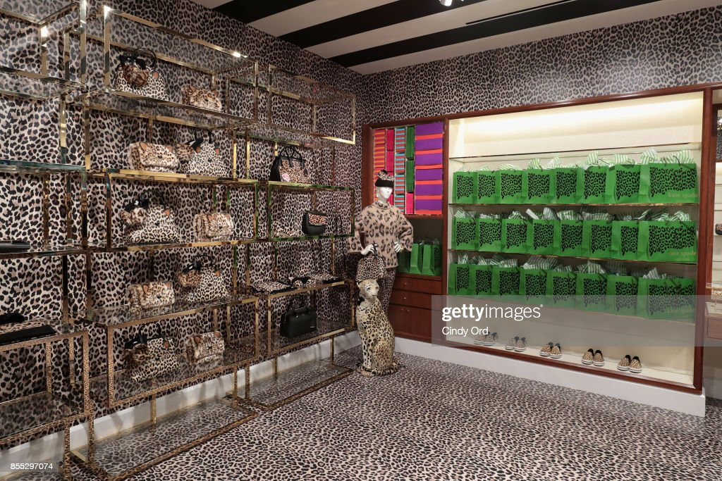 Kate Spade New York & Man Repeller Host the Leopard Leopard Leopard Pop-Up Shop : ニュース写真