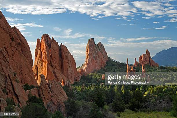 the overlook view at garden of the gods - garden of the gods stock photos and pictures
