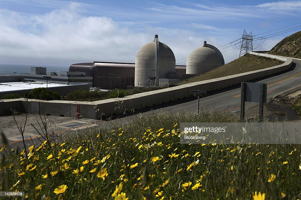 The Pacific Gas and Electric Co. (PG&E) Diablo Canyon nuclear power plant stands in Avila Beach, California, U.S., on Friday, March 30, 2012. U.S. nuclear-power production fell 2.1 percent to the lowest level in more than 10 months as four reactors shut in Pennsylvania, Florida, Alabama and Texas. Photographer: David Paul Morris/Bloomberg via Getty Images