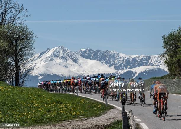 TOPSHOT The pack rides during the 5th stage of the Tour of the Alps cycling tour on April 20 2018 near Innsbruck Austria / Austria OUT