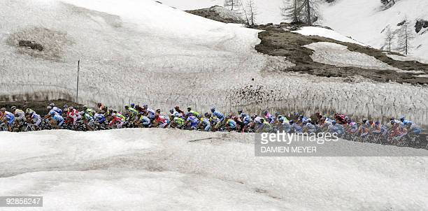 The pack rides during the fifth stage of the 92nd Giro of Italy between San Martino di Castrozza and Alpe di Siusi on May 13, 2009. Russia's Denis...