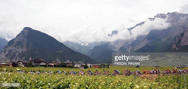 The pack rides during the third stage Sierre Schawarzenburg of the Tour de Suisse cycling race on June 14 2010 AFP PHOTO/ PASCAL PAVANI