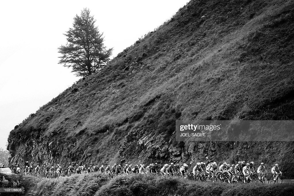 the pack rides in col du tourmalet pass pictures getty images