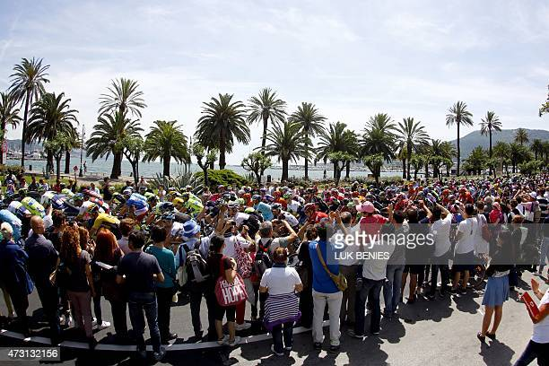 The pack takes the start of the 5th stage of the Giro d'Italia, Tour of Italy, cycling race between La Spezia and Abetone on May 13, 2015 in La...